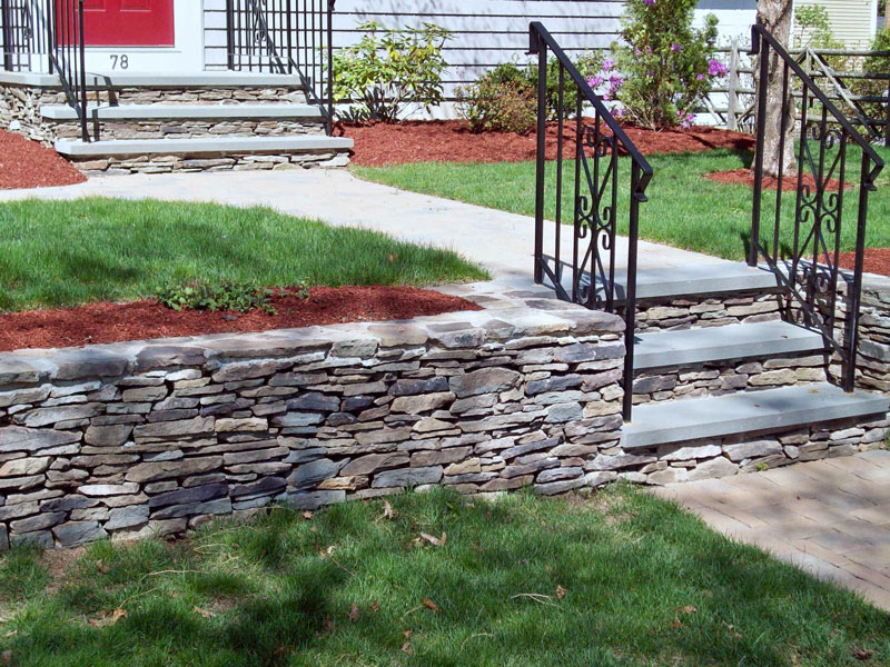 Retaining wall, walkway design and installation